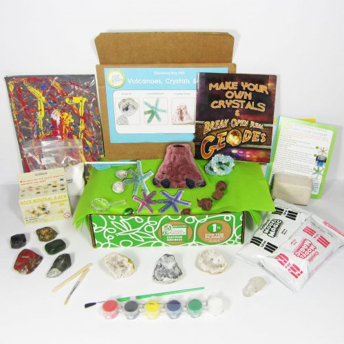 Looking for educational toys, science kits, monthly crafts for kids, monthly subscriptions for kids, a monthly craft box or kids craft subscription? Green Kid Crafts, kids craft subscription and maker of the best subscription boxes, including award-winning arts and craft subscription boxes and best monthly subscription boxes, has created this awesome Volcano science kit for kids.