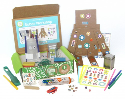 Looking for educational toys, science kits, monthly crafts for kids, monthly subscriptions for kids, a monthly craft box or kids craft subscription? Green Kid Crafts, kids craft subscription and maker of the best subscription boxes, including award-winning arts and craft subscription boxes and best monthly subscription boxes, has created this awesome Robot Workshop science box for kids.