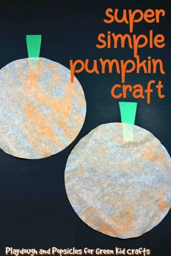 Pumpkin craft for preschoolers and toddlers. Coffee filter craft for kids.