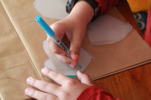 Rainbow Heart Valentines Science Craft - Looking for educational toys, science kits, monthly crafts for kids, monthly subscriptions for kids, a monthly craft box or kids craft subscription? Green Kid Crafts, kids craft subscription and maker of the best subscription boxes, including award-winning arts and craft subscription boxes and best monthly subscription boxes has what you're looking for!